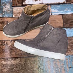 BRASH, Med. Gray Sneaker Wedges, US Size 6.5, EUC